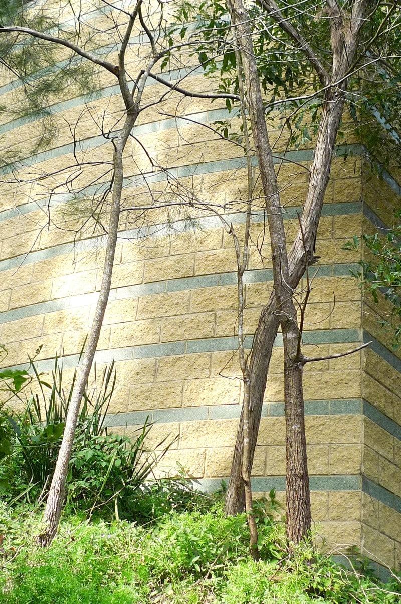 Luigi Rosselli, Sandstone, Boral Block Concrete, Moss