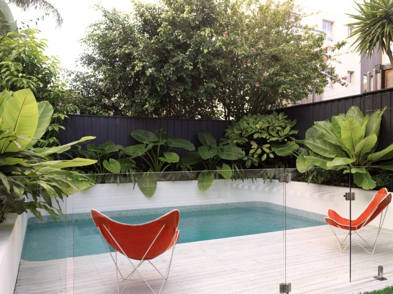 Luigi Rosselli, Swimming Pool, White Pool, Lush Landscaping, curved edge bright aqua pool exotic garden