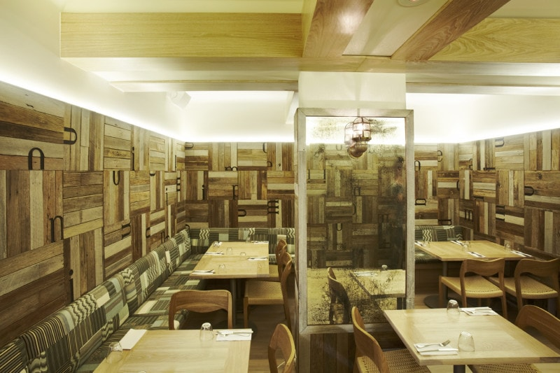 Luigi Rosselli, Seating, Restaurant