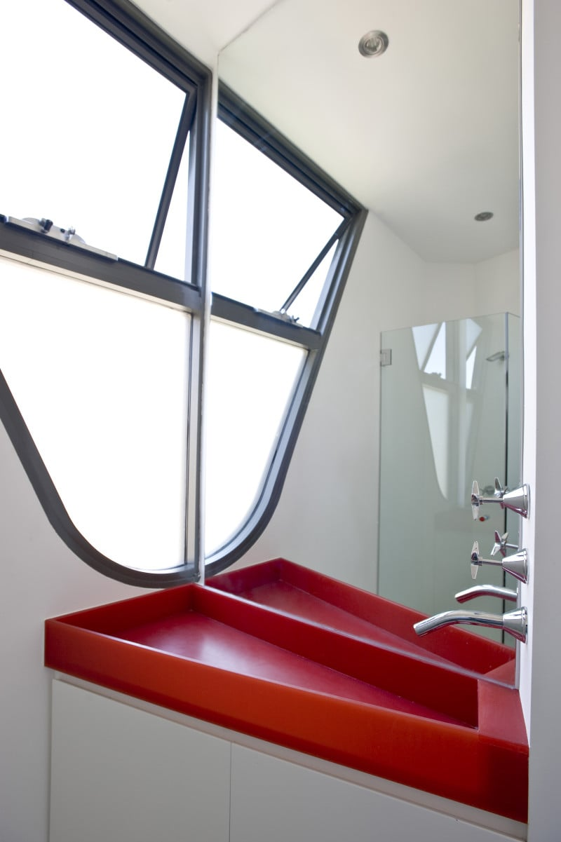 Luigi Rosselli, Stair Window Glazing, Red Sink, Built in Sink, Interesting Curved Window
