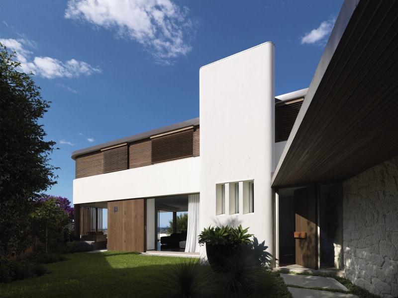 Luigi Rosselli Architects | Balcony Over Bronte | © Justin Alexander