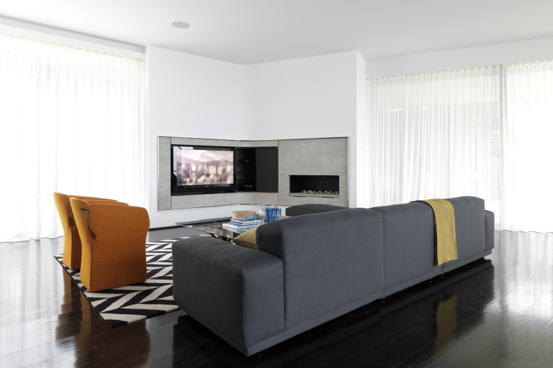 Luigi Rosselli, TV, Fireplace, Built in