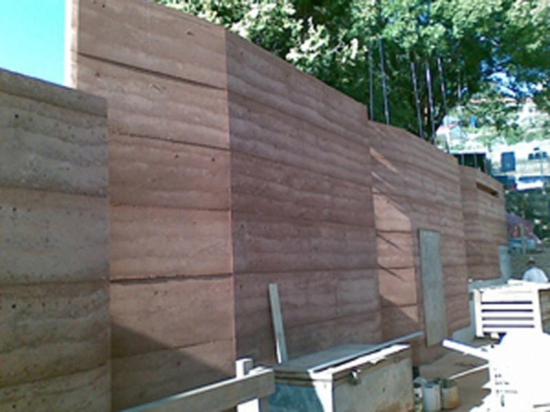 [webs. image] Building in Rammed Earth (5)