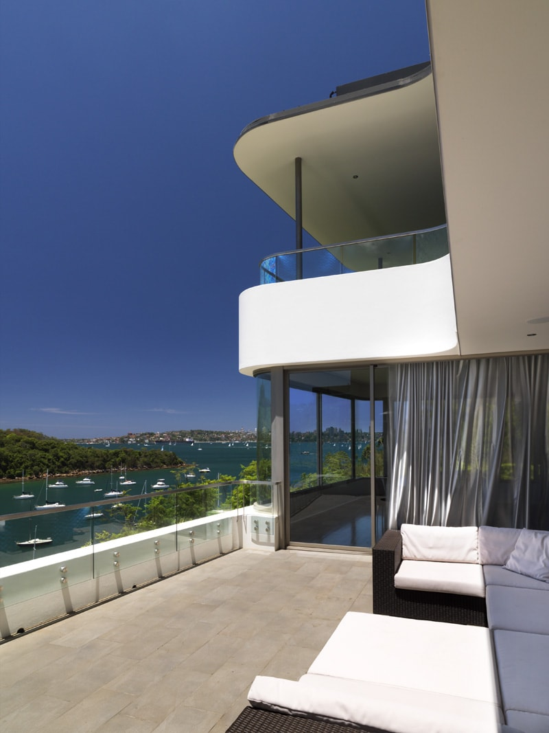 Curves, Thin Roof, Deck, Outdoor Patio, Frameless Glass Balustrade