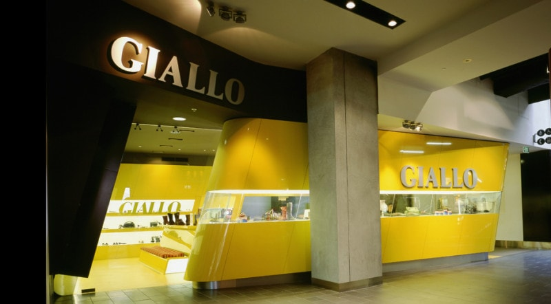 Luigi Rosselli, Shoe Store, Commercial, Shop, Conveyor Belt Display, Yellow Joinery