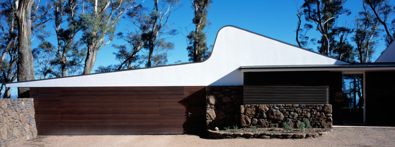 Luigi Rosselli, Curved Roof, Timber Cladding