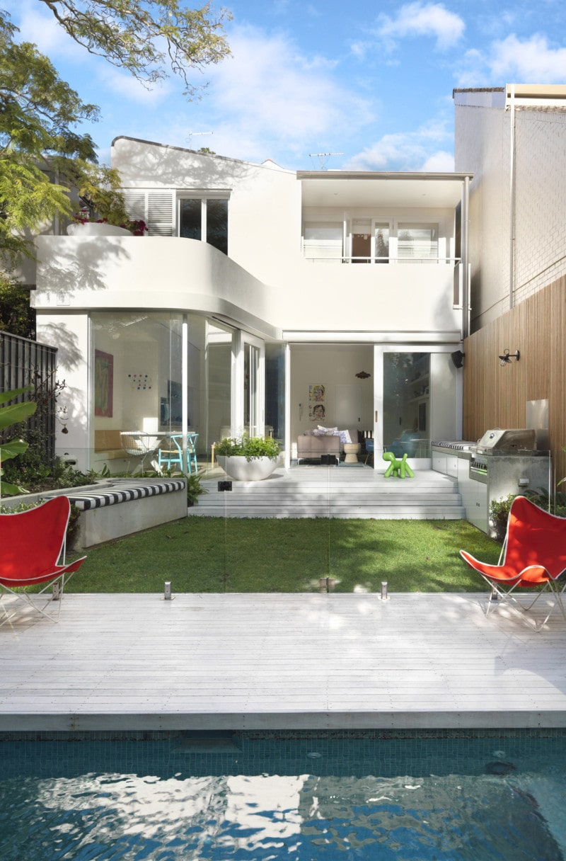 Curved white balcony, Recessed sliding timber framed windows, Luigi Rosselli, Swimming Pool, Deck, Lawn, Frameless Glass Pool Fencing