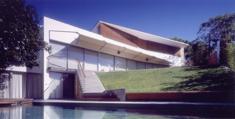 Luigi Rosselli, Timber Screens, Timber Shutters, Sloped Lawn, Swimming Pool, Pool Fixed Awning