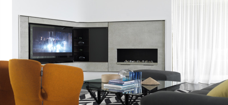 Luigi Rosselli, Curved glass reinforced concrete (GRC) fireplace