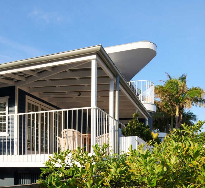 Large Timber Verandah, Steel Balustrade White, Beach House, Luigi Rosselli