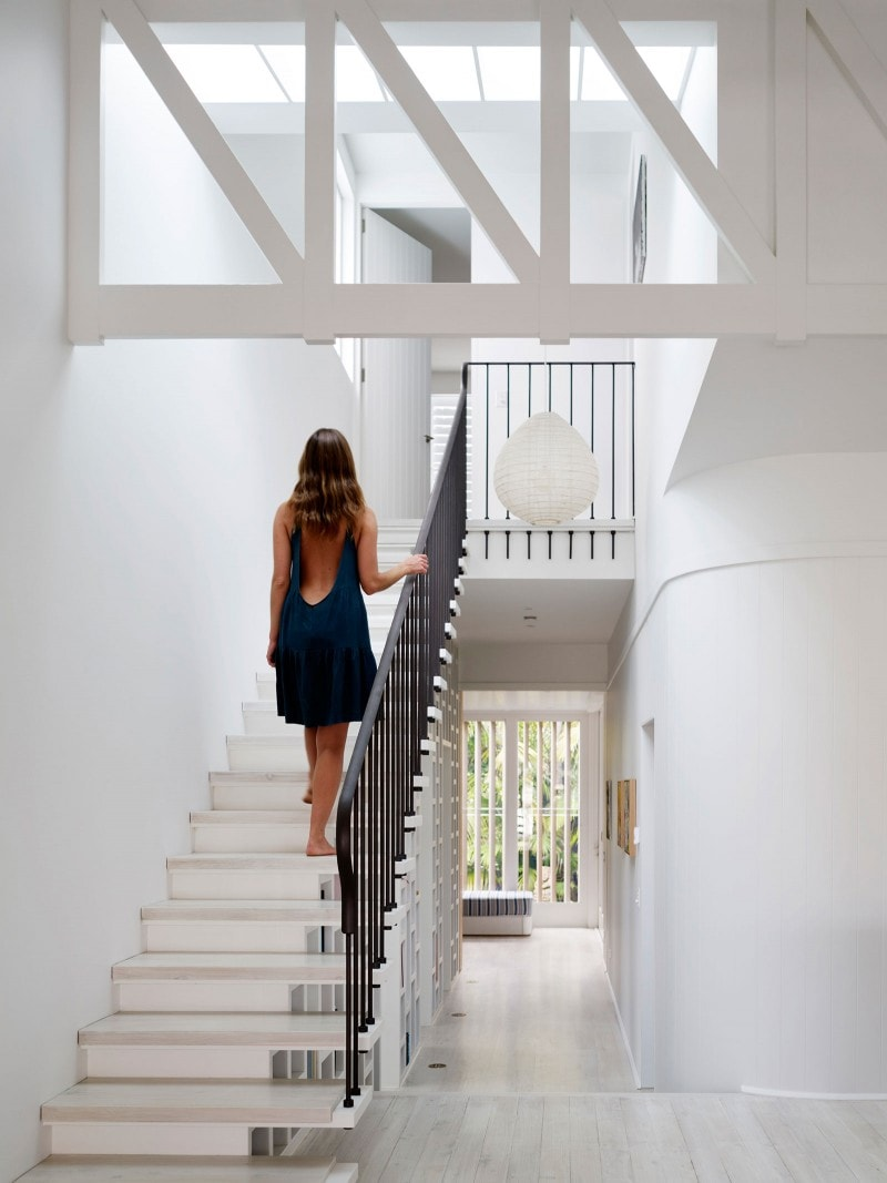 Luigi Rosselli, Timber Truss, Stairs, White Stairs, Cantilevered Stairs, Floating Stairs, White Trusses, Lightwell