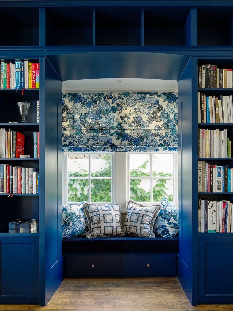 Swedish blue bay window