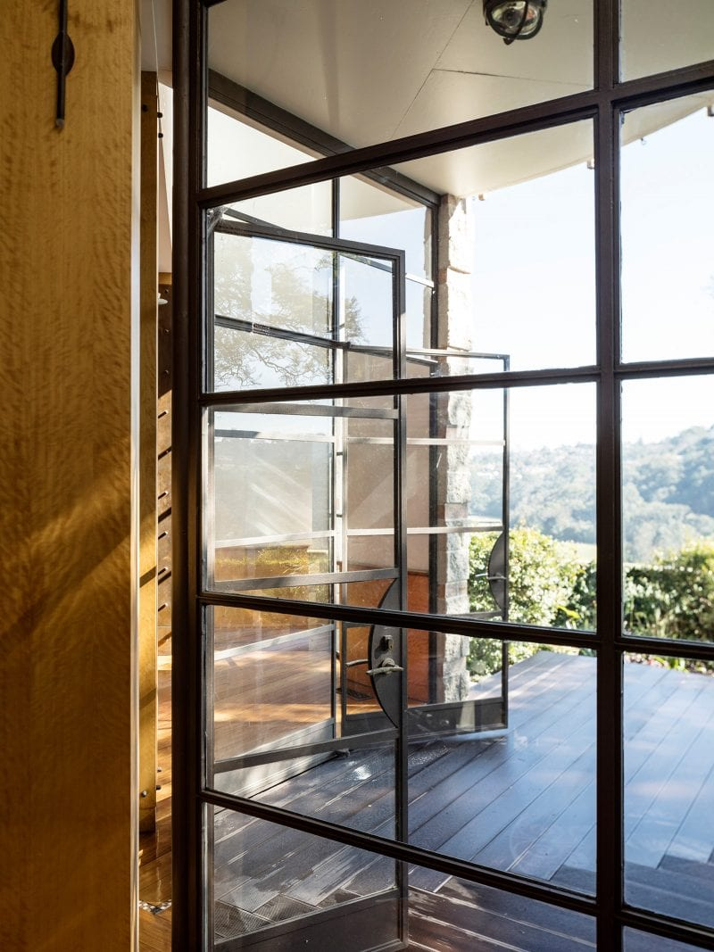 luigi rosselli architects - the first house - steel windows