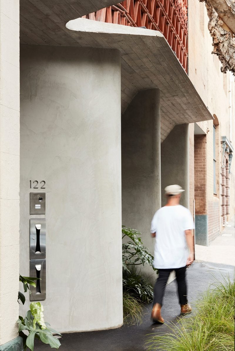 Luigi Rosselli Architects The Beehive studio custom designed in house letter box and street number, Boarded Concrete Awning, Smooth Rockcote Acrylic Cement Render, Terracotta Facade, Robert Plumb, Will Dangar