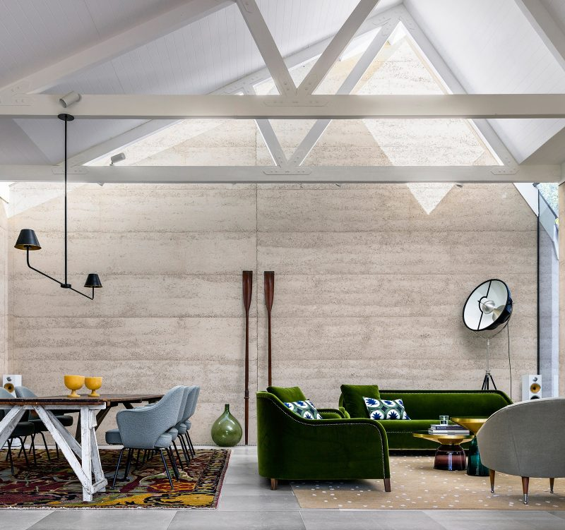 Luigi Rosselli Architects, Skylight, Rammed Earth Walls, Rammed Earth Interiors, Earth Dwellings, Timber Trusses