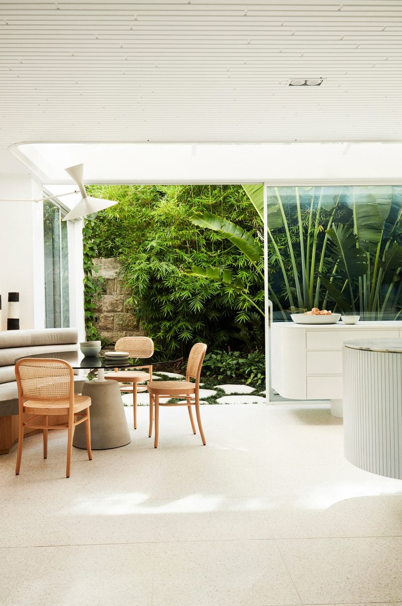 Luigi Rosselli Architects, Built In Seating, White Joinery, Marble Bench top, Tropical Landscaping