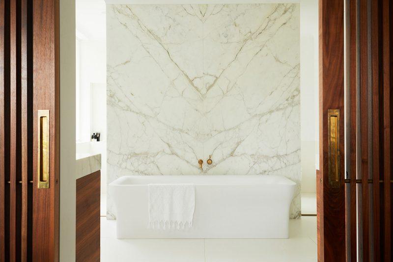 Luigi Rosselli Architects, Marble Bathroom, Calacutta, Brass Sliding Door Handle, Brass Tapware, Timber Sliding Doors, Standalone Bath Tub