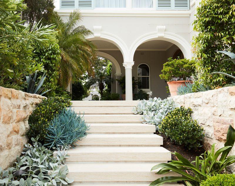 Luigi Rosselli Architects, mediterranean classicism villa