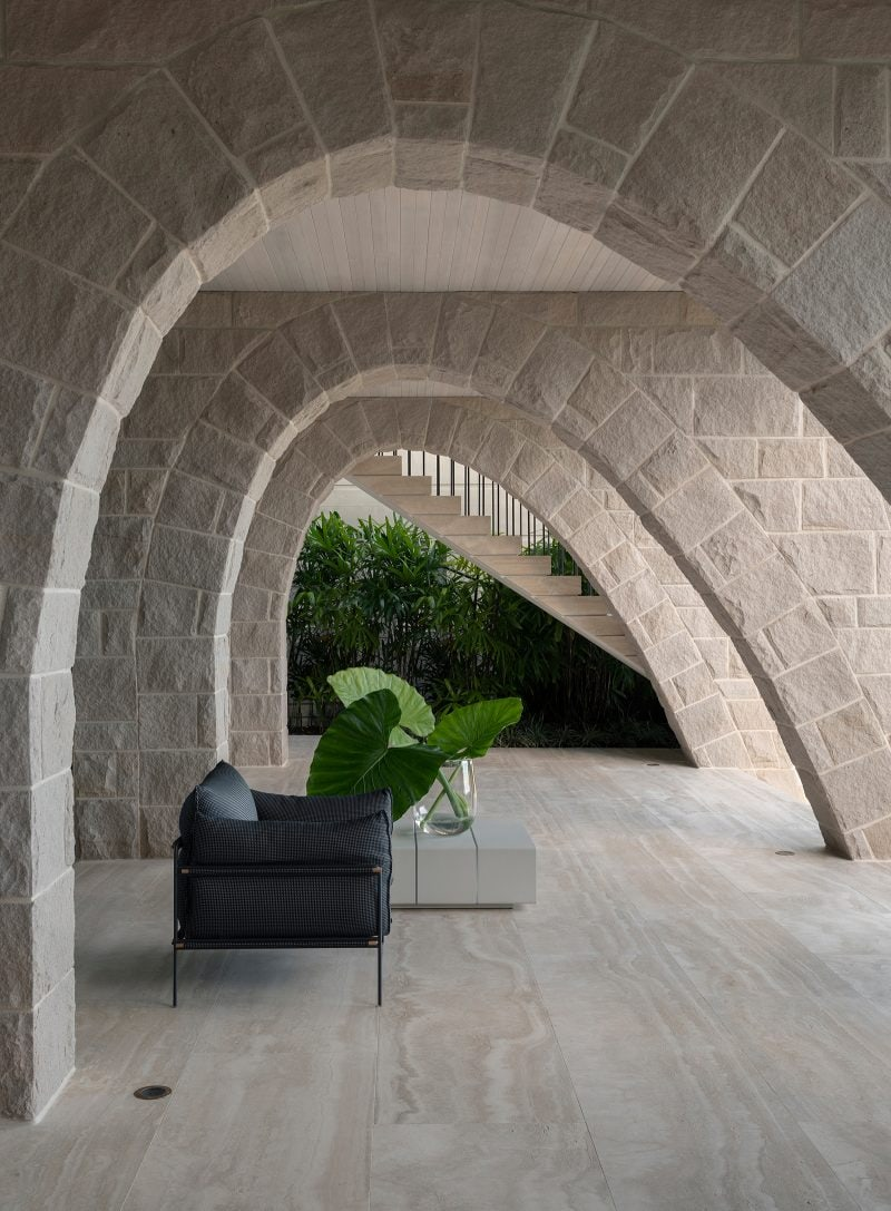 Luigi Rosselli Architects, sandstone arches, loggia, lined timber ceiling, travertine floor, Woollahra house, Sydney house, eastern suburbs houses, Sydney architecture, Woollahra architecture