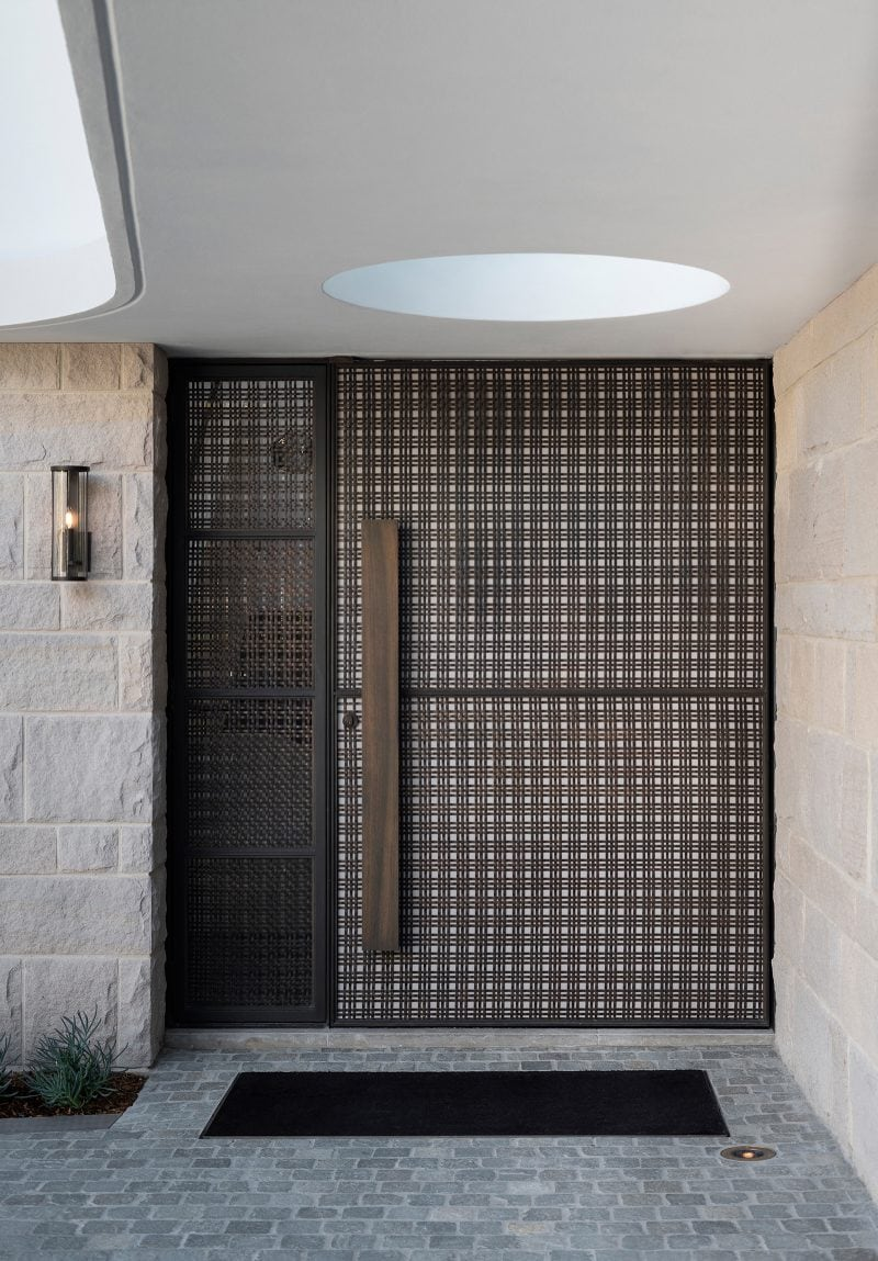 Luigi Rosselli Architects, entry door, woven brass mesh, steel door, circular skylight, woollarha house, sydney house, steel door, Sydney architecture, Woollahra architecture